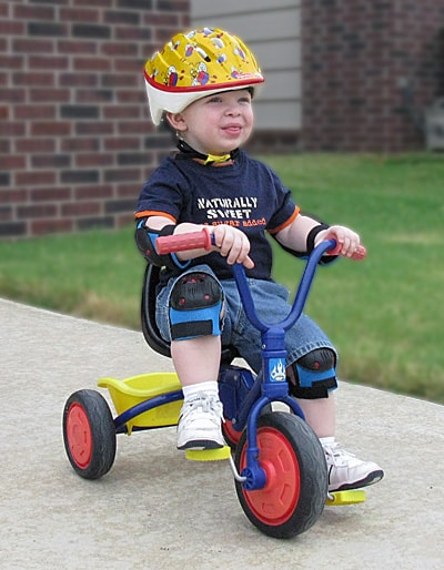 Xe đạp 3 bánh dùng cho bé mấy tuổi 4