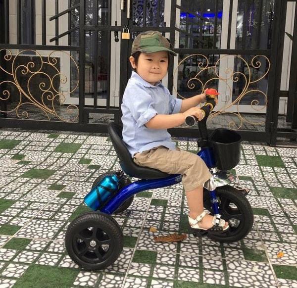 Xe đạp 3 bánh dùng cho bé mấy tuổi 6