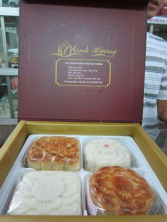 Bánh Trung thu cổ truyền Ninh Hương