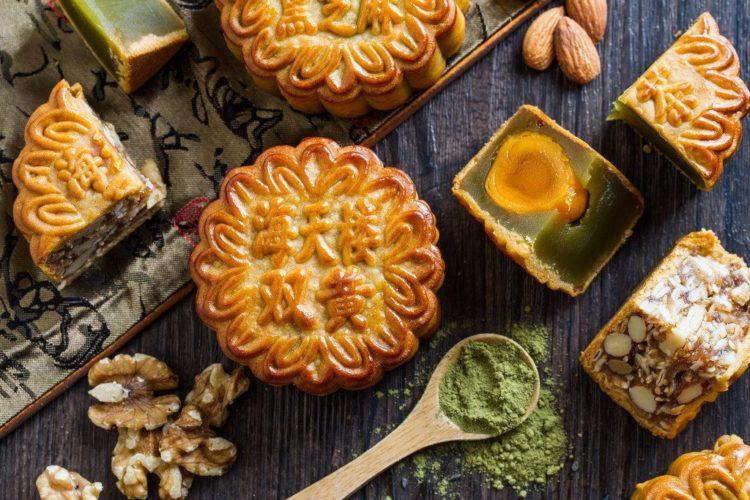Cách làm bánh trung thu nhân trà xanh hạt sen