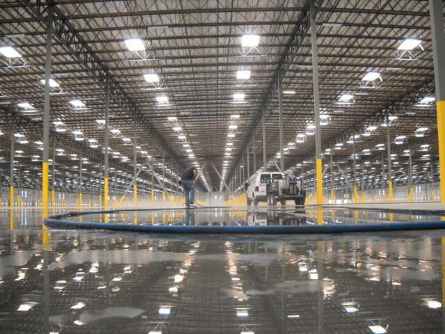 Đèn LED chiếu nhà xưởng
