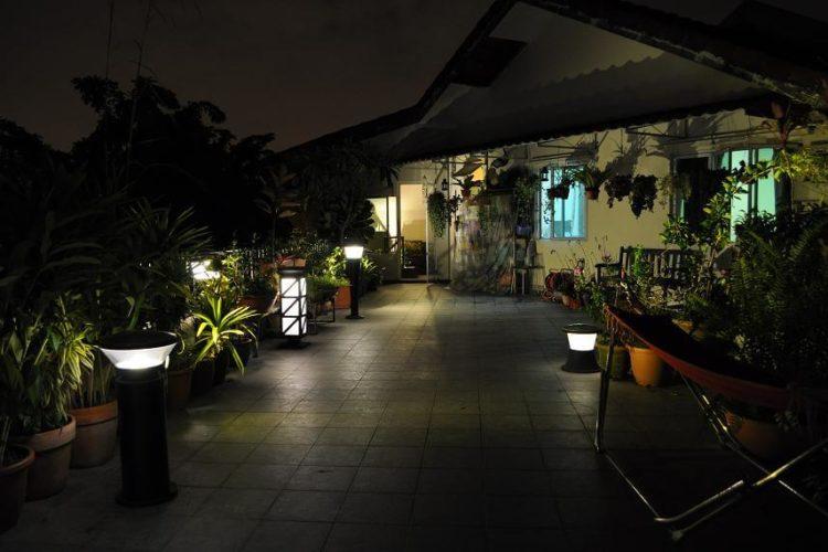 Điểm nhấn khu vườn bằng đèn Led năng lượng mặt trời