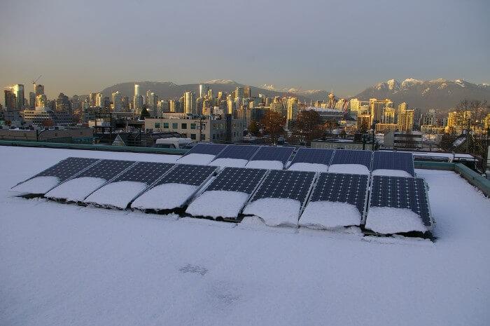 Nơi lắp đặt tấm pin mặt trời có tuyết